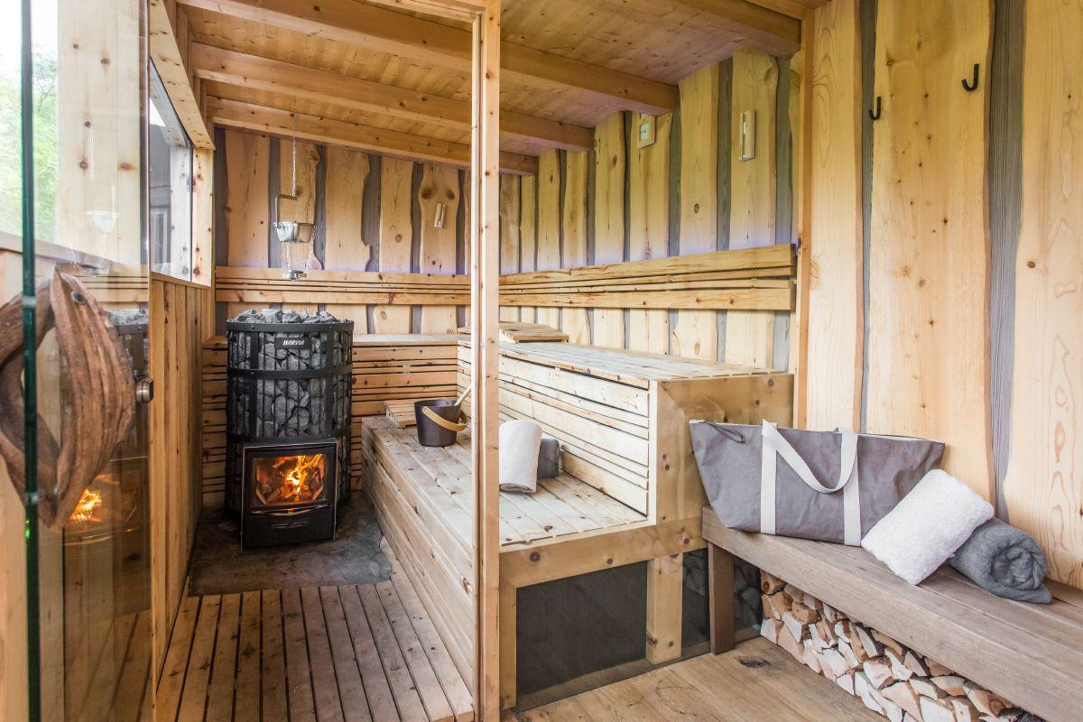 sauna bei sonneck wohltuende und entspannende w rme in den dolomiten. Black Bedroom Furniture Sets. Home Design Ideas